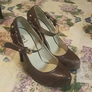Bakers brown heels